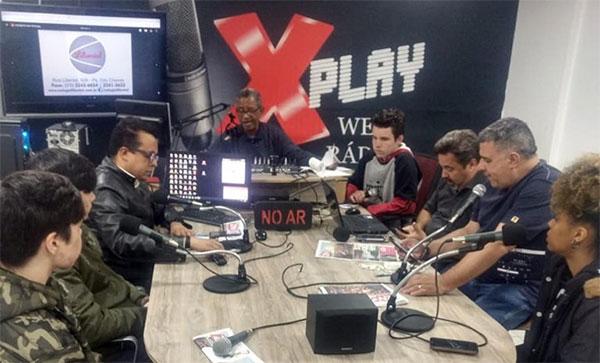 Visita de nossos Alunos à Rádio Web ZN Notícias